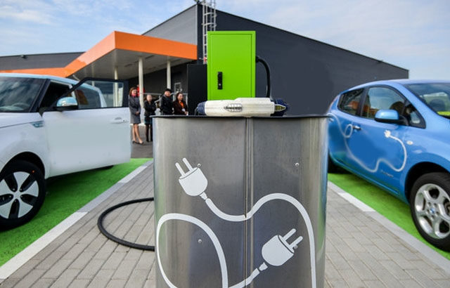 How Do Battery Electric Cars Work?